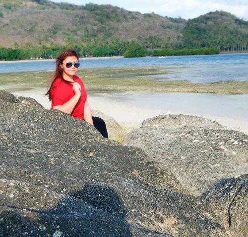 i need holidaaayyy😍😍😍 . . . . . . . . . . . . . . . . . . . . . . . . . . . . . . . . . . . . . . .  #lomboktrip #khansamanda #khansamandatraveldiary #clozetteid #clozetteambassador #beautynesiamember #lombok #gilitrawangan #giliisland #beach #beachparty #island #holiday #beautifuldestinations #gilikedis #gilinangguisland