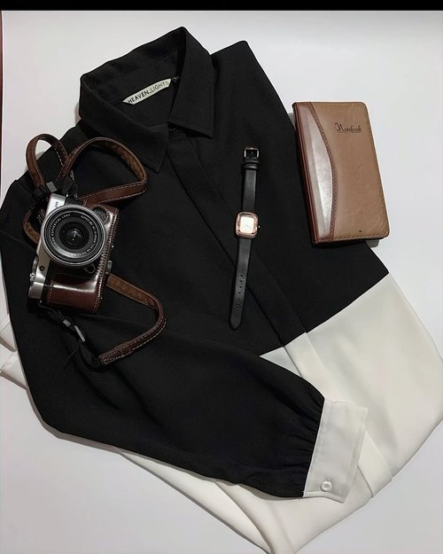 Flatlay with video, why not ▶️In frame : Nisrina long shirt by @heaven_lights 🖤🤍-#hlladies #hlmonthlygiveaway #setiabersamahl #ootdwithhl #heavenlightscustomer #heavenlights #hlpremiumscarf #dailyoutfit #fujifilm #blacknwhite #inshoot #flatlay #flatlaystyle #outfit #clozetteid #clozette #iphone #shotoniphone #iphonesia #lb #like