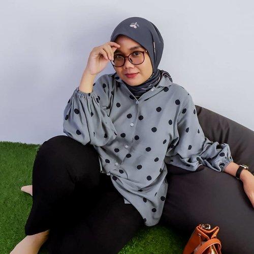 Cicilan? Baru inget ga punya cicilan, yuk nyicil buat bangun rumah tangga bareng-bareng 😋🤪-#clozette #clozetteid #ootd #ootdid #sistervanillahijab #vanillainspirasiharimu #vanillahijabstyle #hijabstyle #hijabfashion