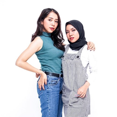 Heyoo from #TeamSawoMatang! For me, beauty is not always about having white skin. You are beautiful as you are! The thing you have to believe is that all the women in this world are beautiful! Don't forget to love yourself. Happy weekend 🤗💛 • Today's photoshoot with the winner of #GiveawayChristyXDipong @adelsalsabilah 💙 • 📷by: @dipongstudio • #photoshoot #quotesoftheday #clozetteid