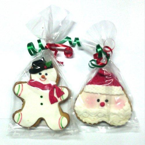 Snowman and santa claus cookies from my manager.. Aww so sweet #merryxmas #christmas #xmasishere #likeforlike #like4like #pastry #tagsforlikes #pictureoftheday #cooking #cookies #snowman #santaclaus #clozetteid #clozette
