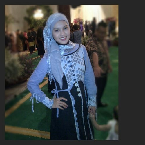 Throwback. Wearing gamis from Tuneeca to attend the wedding party.