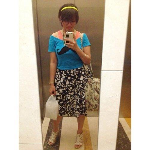 #ootd #fashion #instafashion #clozetteid #skirt #tshirt #short hair