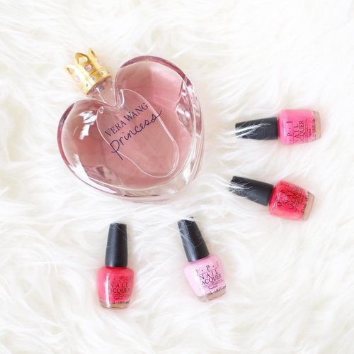 """<div class=""""photoCaption"""">Love love pink! 💅🏼<br /> .<br /> .<br /> .<br />  <a class=""""pink-url"""" target=""""_blank"""" href=""""http://m.id.clozette.co/search/query?term=essentials&siteseach=Submit"""">#essentials</a>  <a class=""""pink-url"""" target=""""_blank"""" href=""""http://m.id.clozette.co/search/query?term=perfume&siteseach=Submit"""">#perfume</a>  <a class=""""pink-url"""" target=""""_blank"""" href=""""http://m.id.clozette.co/search/query?term=opi&siteseach=Submit"""">#opi</a>  <a class=""""pink-url"""" target=""""_blank"""" href=""""http://m.id.clozette.co/search/query?term=nailcolor&siteseach=Submit"""">#nailcolor</a>  <a class=""""pink-url"""" target=""""_blank"""" href=""""http://m.id.clozette.co/search/query?term=nail&siteseach=Submit"""">#nail</a>💅🏻  <a class=""""pink-url"""" target=""""_blank"""" href=""""http://m.id.clozette.co/search/query?term=clozetteid&siteseach=Submit"""">#clozetteid</a>  <a class=""""pink-url"""" target=""""_blank"""" href=""""http://m.id.clozette.co/search/query?term=verawang&siteseach=Submit"""">#verawang</a>  <a class=""""pink-url"""" target=""""_blank"""" href=""""http://m.id.clozette.co/search/query?term=dailyphoto&siteseach=Submit"""">#dailyphoto</a>  <a class=""""pink-url"""" target=""""_blank"""" href=""""http://m.id.clozette.co/search/query?term=instadaily&siteseach=Submit"""">#instadaily</a>  <a class=""""pink-url"""" target=""""_blank"""" href=""""http://m.id.clozette.co/search/query?term=instaessential&siteseach=Submit"""">#instaessential</a>  <a class=""""pink-url"""" target=""""_blank"""" href=""""http://m.id.clozette.co/search/query?term=chikaloves&siteseach=Submit"""">#chikaloves</a></div>"""