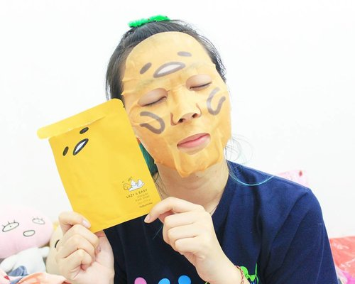 Office has been hectic lately 😣😥 The easiest way to pamper myself is sheet mask! I'm a fan of #gudetama and this sheet mask from Holika Holika is too cute. I tried it last night but unfortunately my face felt like burning so I took it off immediately 😭😭 Anybody experience the same? Or is it just me? . . . #clozetteid #bbloggers #beautybloggers #fbloggers #lifestylebloggers #indonesianfemalebloggers #beautynesiamember #gudetama #holikaholika #holikaholikagudetama #beautyaddict #makeujunkie #ggrep #kawaii #美容ブロガー #スタイル #メイケ #뷰티블로거 #뷰티스타그램 #얼짱 #파워블로거