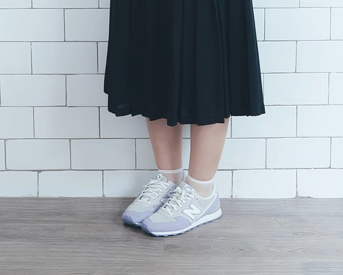 Read my latest post about 5 must have shoes to look stylish all the time! 🙆 Click link on my bio. . . . #fashionblogger #fbloggers #styleblogger #sneakers #newbalance #shoes #musthaveshoes #stylish #whatwelike #clozetteid #fashionlover #shoeslover #vsco #style #bloggerstyle #fashiontrend
