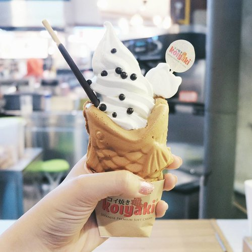 There is always room for dessert 💖 . . . #clozetteid #foodgram #taiyaki #icecream #ggrep #instafood #foodblogger #lifestyleblogger