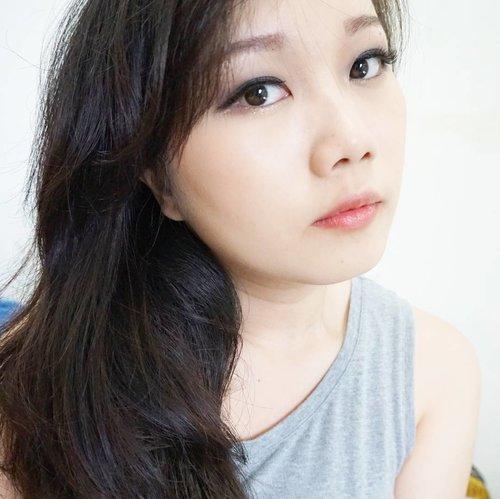 Make soft smokey eyes.. #aritaum #missha #eyeshadow #stylenanda #3ce #eyeliner #innisfree #realfitliquid #lipstick #etudehouse #realpowdercushion #holikaholika #eyebrow #makeup #fotd #clozette #clozetteid