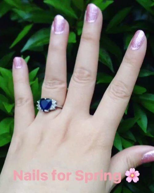 Glittery pink nails for spring from @lunabelle.nail 💅🏻 • • • #pink #glitter #pinkglitter #spring #springnails #thecolorofspring #nails #stickers #nailssticker #beauty #blogger #beautyblogger #bblogger #inspirations #love #like #beautiesID #beautybloggerid #clozetteid #lovelyasianbeauties #beautyenthusiasts #beautyjunkie #indonesianbeautyblogger #indobeautygram #instabeauty #instalike #instagood #aiachanbeautyjournal