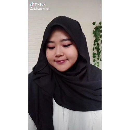 Enaknya up tutorial makeup WFH di IGTV kapan yha~