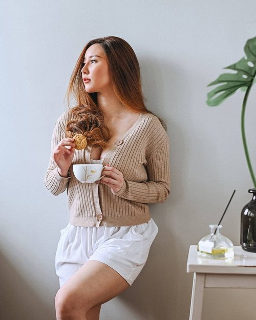 Quali-tea in slowmo day. Wearing @vocadue Neta Top in nude . . . . . #ClozetteID #ootdindo #ootd #ootdfashion #ootdinspo #lookbookindonesia #lookbook #lifestylephotography #lookbooklookbook #id