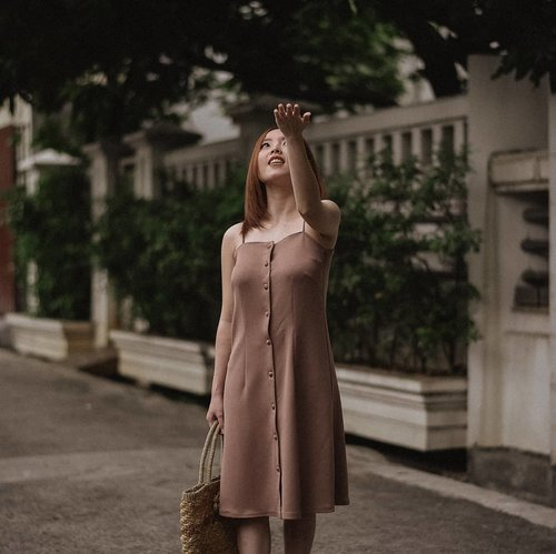 Let the rain beat upon my head wearing @daisyofficialstore Olivia Dress in Dusty Pink. . . I'll share my thoughts about this dress exclusively on my stories as soon as possible. Click highlight 'OOTD' on my bio, in case you missed it. . . . . . #ootd #fashion #style #outfit #fashionista #outfitoftheday #fashionblogger #fashiongram #fashionstyle #instafashion #lookbook  #clothes #instagood #dress #moda #instastyle #fashionaddict #lookoftheday #lookbook #fashionblog #womensfashion #styleoftheday #streetstyle #whatiwore #clozetteid