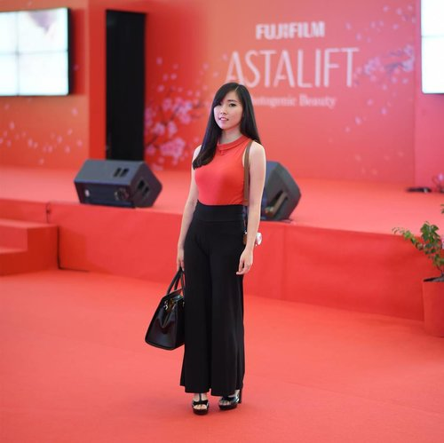 Attending ASTALIFT Beauty Fest for DIY Facial with @astalift_indonesia , thanks @clozetteid & @astalift_indonesia for having me. Event report + Product Review soon on my blog! #clozetteidreview #astaliftxclozetteid #astaliftphotogenicbeauty . . . . #l4l #fashionblog #endorsement #instagramer #blogger #blog #potd #photography #photooftheday #lifestyle #japanese #lifestyleblogger #japan #beautyblog #instapict #likesforlikes #beautyblogger #girl #instadaily #instagramer #instamood #like #clozetteid #FaceOfTheDay #FOTD #indonesian #fashionblogger