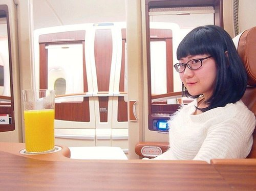 Zurich bound @singaporeair#greatwaytofly#latergram #avgeek #a380 #a380lovers #firstclass @singaporeairid #siauntukmu #ootdindo #clozetteid #clozettedaily #femaledaily #femaledailynetwork #fotd #nomakeupmakeup #beautyjunkie #beautygram #travel #traveldiary #travelgram #instapassport #goodlife #lifewelltravelled #livethelittlethings #liveauthentic #sonynex #sonyimages #sonyphotography #sonynex3