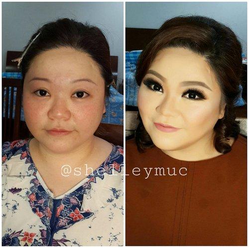 Glowing skin for Ce Monica  Makeup by @shelleymuc  HairDo by @irenekusumawaty  #makeup #beauty #shelleymuc #surabaya #makeupartist #mua #shelleymakeupcreation #beforeafter #clozetteID #makeover #muasurabaya #muaindonesia #hairdo #soft #softmakeup #beautifulgirl #softsmokey #glammakeup #glamourmakeup #makeupartistsurabaya #surabayamakeupartist