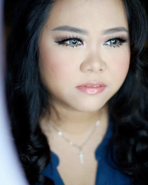 #latepost  Makeup for Prewedding of @kikyhandoko and @arief_priyono_k  Makeup & HairDo by @shelleymuc @shelleyssebastian  #makeup #beauty #shelleymuc #surabaya #makeupartist #mua #shelleymakeupcreation #beforeafter #clozetteID #makeover #muasurabaya #muaindonesia #hairdo #soft #softmakeup #beautifulgirl #softsmokey #glammakeup #glamourmakeup #makeupartistsurabaya #surabayamakeupartist #correctivemakeup #preweddingmakeup
