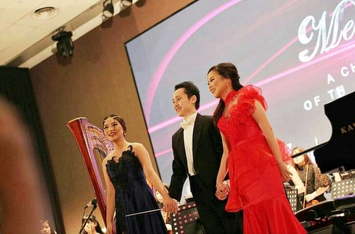 Congratulations @ayuniasaputro98 @jessicasidarta @kevinatmadja13 for the #melodiousdreamconcert  #handinhandforcancer #cancerawareness  Makeup by @shelleymuc  HairDo by @suci_hairdo  Captured by @zoidiary and @kamerakeliling Dress by @herman_arifin Venue @ballroom_eighty9 Organized by @redline.production Orchestra @seraphim.orchestra Sound by @eproject_musicsoundconsultant Supported by @cancerawarenesscommunity  #makeup #beauty #shelleymuc #surabaya #makeupartist #mua #shelleymakeupcreation #beforeafter #clozetteID #makeover #muasurabaya #muaindonesia #hairdo #soft #softmakeup #beautifulgirl #softsmokey #glammakeup #glamourmakeup #makeupartistsurabaya #surabayamakeupartist #correctivemakeup #monolid #monolidmakeup #stagemakeup