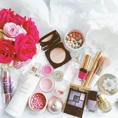 Hubby and I decided to do the #plankchallenge starting tomorrow. Sexy abs here we come! #clozetteid #fdbeauty #makeup #instamakeup #pink #makeupaddict #roses #flowerstagram #guerlain