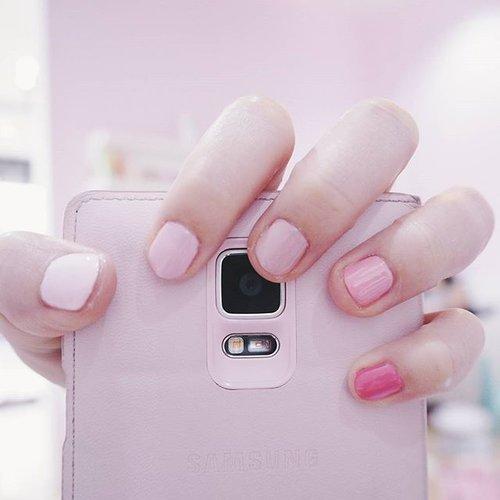 Pinky nails 💞 by @dandelionwaxingidPlease excuse my fat and short fingers 😂#clozetteid #nailoftheday #dandelionwaxingid #fdbeauty #pinkcollection