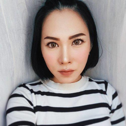 Today's make wearing @emcosmetics Infinite Lip Cloud Naked Rose • • • • • • • • • • #clozetteid #motd #emcosmetics #makeupjunkie #makeupaddict #makeuplover #momblogger #momblog #wakeupandmakeup #ilovemakeup #indobeautygram #indonesianbeautyblogger #beautybloggerindonesia #beautyblogger #makeuplook #mommyblogger #makeuptalk #powerofmakeup #ビューティー #春メイク #화장품 #메이크업 #コスメ #メイク動画 #アイメイク #プチプラ #메이크업 #인스타뷰티 #fotd #ivgbeauty #beautybloggerid