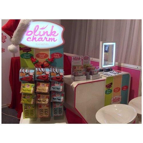 Look at this uber cute eyelash packaging by @blinkcharm !! Udah coba belum bulu mata ini? I love this lash!! #fdbeauty #blinkcharm #eyelash #fakelash #madeinindonesia #Indonesia #beauty #clozetteid #girls #girlsstuff #beautyproduct