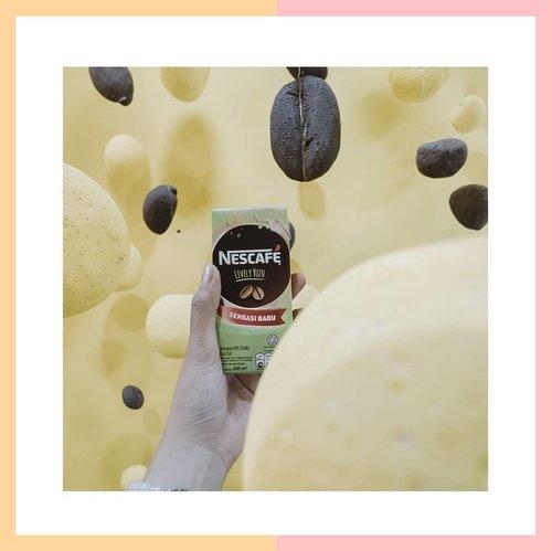 Ada yang baru dari @nescafe_indonesia  namanya : NESCAFÉ Lively Yuzu dan Cool Coconut ☕☕Yang saya foto ini adalah #livelyyuzu, berupa perpaduan antara kopi yang nikmat dan sensasi segar dari buah Yuzu.Rasa minuman ini ya jadi kayak kopi dicampur jeruk gitu, kopinya masih berasa kok dan ada manis segar dari si jeruk. Untuk meramaikan peluncuran dua variant terbaru ini, ada : NESCAFÉ MASHUP WORLD yang bisa kamu kunjungi secara gratis di Sarinah, Jakarta Pusat.Penasaran kayak apa seru ya #CobainSerunyaDuniaBaru bersama @nescafe_indonesia?Cek highlight ya ☝️#Lindaminireview #Nescafe #Coffee #MashUpWorld #ClozetteID