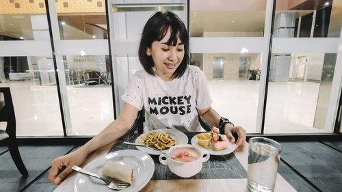 Setiap disuguhi all you can eat selalu bingung ingin memulai makan darimana dulu.Kalian punya trik khusus ga sih pas di restoran all you can eat gitu?#clozetteID#Allyoucaneat#eating