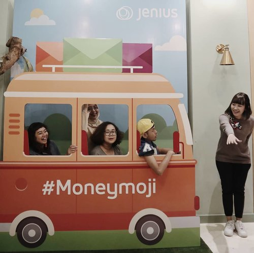 Sisa acara semalam..Experience #Moneymoji with @jeniusconnect #PilihanJenius...#ClozetteID