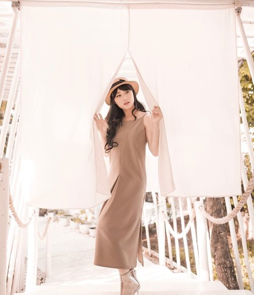 We dont 'have' a great day, We 'Make it' a great day.. So do it now because today is friYAY .. . . Dress from Lunel in Taupe @saeriofficial . . . . . . . . . #ootd #outfit #style #fashionindonesia #스트릿패션 #스트릿룩 #streetlook #hisafudressup #partnershipwithhisafu #clozetteid #quoteoftheday #greatday #lookbookindo #indofashionpeople