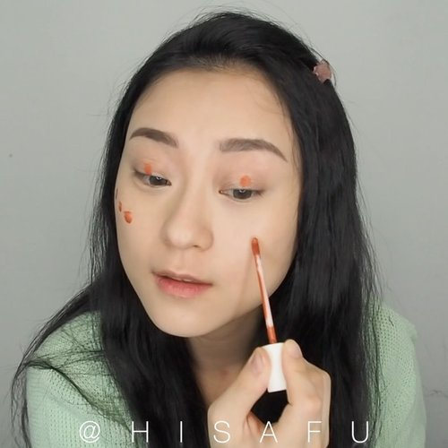 Peachy Fake Freckles Makeup Look .. . . Products: 🧡 @innisfreeindonesia Jeju Cherry Blossom Tone up cream 🧡 @focallure concealer 🧡 @luxcrime_id triangle brow 🧡 @blpbeauty lip coat peach soda 🧡 @brunbrun_paris gel eyeliner brown 🧡 @silkygirl_id duo mascara 🧡 @charis_celeb marsique lash 🧡 @realtechniques_id beauty sponge . . . . . . . . . #makeup #beauty #makeuptutorial #koreanmakeup #beauty #undiscovered_muas #ragamkecantikan #makeupindonesia #makeupvideo #clozetteid #hisafututorial #뷰티그램 #아이섀도우 #뷰티 #makeupindo #inspirasicantikmu #tampilcantik #charisceleb #make4glam