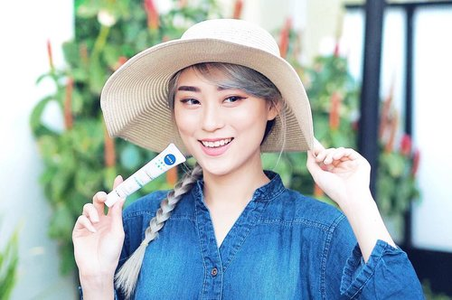 Not forget to use Makeup Starter 2in1 Moisturizing Day Serum from @nivea_id every morning, you gonna get the serum and moisturizer in one tube plus they got SPF 33 PA +++ to protect your skin from UVA and UVB as well.. 1 product and you ready to do your makeup.. . . . . . @berrybenka #berrybenkaxnivea #niveaxberrybenka #cleansedbyyou #hisafuxnivea #bproject2017 #bprojectxnivea #nivea