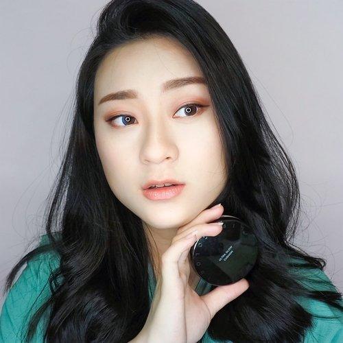 Ultra Glow Cushion from @itsskin_official_id .. pengen tau performa nya? cek video nya juga ya.. . . . . . . .  #makeup #cushion #reviewcushion #koreanmakeup #koreamakeup #undiscovered_muas #clozetteid #아이섀도우 #메이크업 #메이크업그램 #뷰티스타그램 #뷰티그램 #beauty #reviewmakeup #itsskin #glowskin #flawlessskin