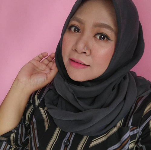 Kulagi males rapihin alis gaes... 🤣🤣 #makeup #makeupaddict #makeupjunkie #makeupobsessed #makeupporn #makeupcollection #instamakep #dailymakeup #makeuporganization #blogger #beautyblogger #indonesianbeautyblogger #beauty #instabeauty #blush #fdbeauty #highlighter #bronzer #lipstick #lipstickaddict #lotd #lipstickcollection #motd #makeupoftheday #fotd #makeuplook #makeuplover #makeupmafia #ilovemakeup #clozetteid