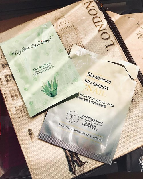 These two sheet masks are my saviour for Lebaran day. I used these masks the last two days before Ied day, and they keep my face stays hydrated and fresh during Ied. It helped me with a little bit of glow✨ too :).⭐️ My Beauty Diary Aloe Vera Mask⭐️ Bio Essence Snail Secretion Repair Mask......#sheetmaskaddict #rasianbeauty #skincareblogger #skincareaddict #skinadvice #glowfromwithin #30plusbeauty #skincarejunkie #skincarelover #skincarecommunity #fdbeauty #sociollablogger #clozetteid