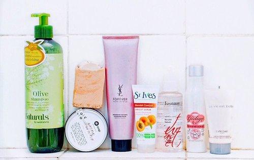 [ bathroom • situation ] 🚿🛁🛀🏼🖼 . . . . . . . . . #skincaregram #skincareroutine #skincareblogger #bodycare #ykskincare #gowiththeglow #beautyblogger #clozetteid