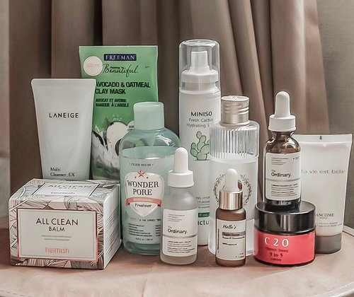 Haven't posted about #skincareroutine for a long time, so here's last night's #skincaremenu :⁣⁣⁣⁣⁣⁣_____________________⁣⁣_⁣⁣⁣⁣🧤Remove Makeup with #Heimish All Clean Balm⁣⁣⁣🧤Wash Face with #Laneige Multi Cleanser EX🧤Rejuvenate with #Freemans Avocado Oatmeal Clay Mask 🥑🧤Tone with #EtudeHouse Wonder Pore Freshner🧤Acid Treatment with Deciem #TheOrdinary Lactic Acid 10% + HA 2%⁣⁣⁣🧤Re-hydrate with #Miniso Fresh Cactus Hydrating Spray (been loving this!🌵)🧤Eye Treatment with #Deciem The Ordinary Caffeine Solution 5% + EGCG 👀🧤Moisturize with #Guerisson 9 Essence Complex⁣⁣⁣ 🐎🧤Sealed with #C20 Vitamin Sleep 9 to 5 Crema 😴⁣⁣⁣⁣⁣>> EXTRAS :⁣⁣⁣⁣🧴#Lancome La Vie Èst Belle Perfumed Body Lotion (I use lotion before sleep to avoid dry skin in the morning)⁣⁣⁣⁣⁣⁣⁣⁣⁣⁣⁣⁣⁣⁣⁣⁣⁣⁣⁣⁣⁣⁣⁣⁣⁣⁣⁣⁣⁣⁣⁣⁣⁣⁣⁣⁣⁣⁣⁣⁣.⁣⁣⁣⁣#skincarediary #skincareblogger #clozetteid #ykskindiary #skinessentials #beautycommunity⁣⁣⁣⁣