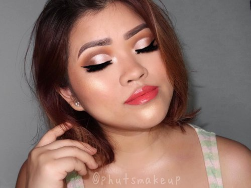 There's something I love about cut crease and wing liner ❤️ . . PRODUCT USED @morphebrushes x @jaclynhill Palette #morphexjaclynhill #morphebrushes #morphepalette #morphe  @maybelline Hyper Sharp Wing #mnyitlook #maybellineina #maybelline #maybellinesg . . BROWS  @benefitcosmeticssg Ultra Fine Brow Pencil  @benefitcosmeticssg Gimme Brow Volumizing Eyebrow Gel #benefitcosmetics #benefitbrowbar #benefitbrows #benefitsg . . CHEEKS @colourpopcosmetics x Fem Rosa SHE Blush Trio #colourpop #colourpopme #femrosa . . LIPS @colourpopcosmetics x Fem Rosa *Mrs and *Contessa