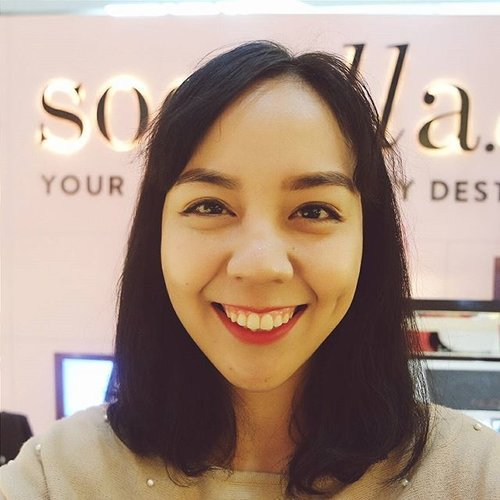 Last Tuesday I visited @sociolla Pop Up Store at @plazaindonesia and played with @studiomakeupid  Don't forget to upload your vlog today! #studiomakeuponsociolla  I'm wearing @studiomakeupid #lipstick #concealer #creamblush  #clozetteid #sociolla #SociollaPopUp #studiomakeupid #me #potd #fotd #motd #makeup #smile