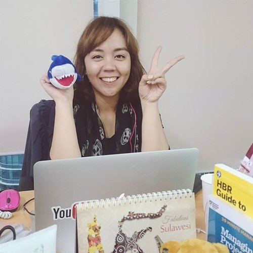 Peek into my daily working life. Yes that's me on my working desk @kawaiibeautyjapan with all those scattered things on it.  Feels like having second home here as I literally spend most of my time here with all the animals from KBJ zoo!  #me #utotia #working #work #kawaiibeautyjapan #officelady #clozetteid #KBJzoo