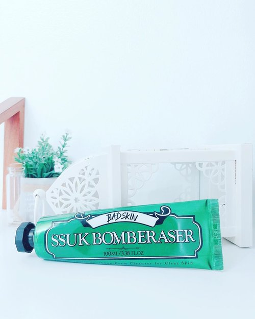 BADSKIN SSUK BOMBERASER 🌿💚 @badskin_korea ••••• Actually this is my first product that contains artemisia. Maybesomeone is already familiar with this artemisia, and maybe you there are some who don't know about artemisia. Artemisia is an asian plant species in the sunflower family. Artemisia Princeps also called Korean Mugwort. Is an asian plant species in the sunflower family.••••• Korean Mugwort, also known as ssuk (쑥) is an herb that has been used for generations in Korean medicine, skin care, and cooking. In recent years, mugwort has seen a growth in popularity as a key ingredient in Korean skin care products••••• Mugwort has a reputation as a soothing and healing powerhouse ingredient and its effectiveness at treating redness and skin sensitivities. Mugwort, often listed on skin care products as artemisia, is a powerhouse ingredient with a range of properties that make this ingredient a great fit for sensitive, acne-prone, and dry skin types.Most well-known for its antibacterial, antifungal, and anti-inflammatory properties, mugwort soothes, heals, and nourishes the skin, helping treat redness, psoriasis, and other skin sensitivities. Mugwort is also packed with antioxidants and vitamin E that help protect and nourish the skin barrier••••• I use as a second cleanser. I like it because this cleanser is really moisturizing, shoothing, and purifying my skin. And it's true that this artemisia also called mugwort has a million benefits for skincare, food and traditional medicine. Even mugwort has been used as an herbal medicine since Gojoseon the first Korean Kingdom 🎎 Daebakk ••••• 👇🏻👇🏻 next on comment