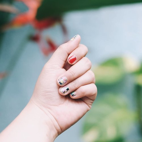 Hello, Bali! My (not so) pretty nails is ready 💅 - #kembalikebali #roadtrip #bali #balinese #wonderfulindonesia #clozetteid #nailart #nailsticker