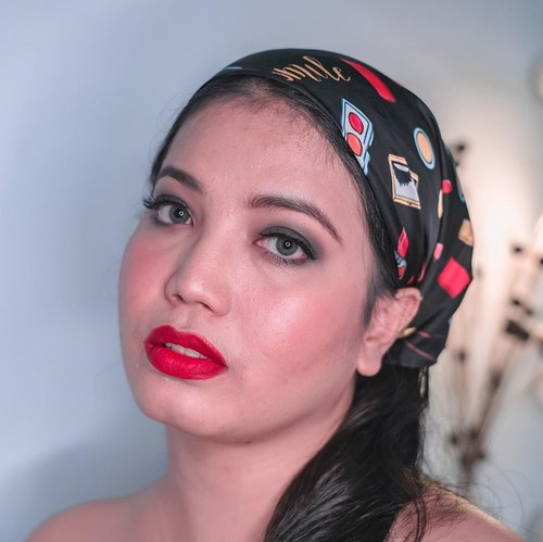 "Ngarep mirip Daisy Buchanan but ended up being Madam Fortuna. Yaudah sini siapa yang mau di""baca""? Gratis sama Madam 🤪 - #makeup #motd #thegreatgatsby #1920smakeup #classicmakeup #clozetteid #selfie"