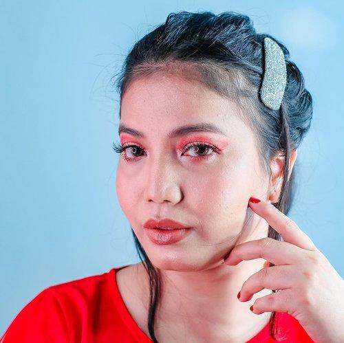 Ling Ling Janti menanti angpao 🙋🏻♀️ - Walau tahun ini diawali banyak cobaan, semoga di tahun tikus logam kita semakin cuan, selamat, sehat, dan bahagia. Aamien... #cny2020 #cnymakeup #imlek2020 #motd #makeup #clozetteid