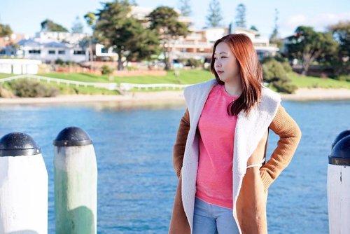 There's a place as beautiful as dream called Phillip Island 🍃 . #ootd: coat: @stradivarius  top: @newlookfashion jeans: @bershkacollection . . #lifestyleblogger #clozetteid #clozette #autumnoutfit #balibeautyblogger #blogger #fashion #ootd #autumn #phillipisland #australia #melbourne #jclianiinmlb #beautifulplace #dream #island #asian