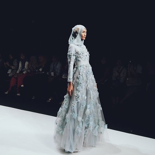 In love with this beautiful dress by @riamiranda #clozetteid #jfw2015
