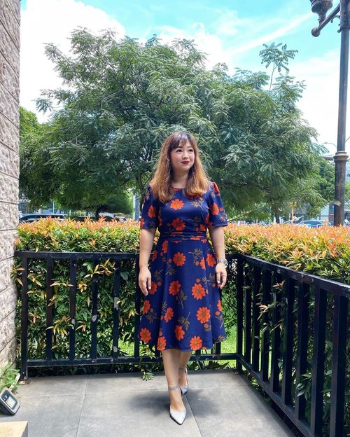 A bright day today, setelah semalaman hujan. #igstyle #carnellinstyle #hello #clozetteID #hello #styleinspo #styledaily #beauty #igstyle #dressoftheday #dressup #dress #sunny #bright #day #flowerdress #igdaily #motd #lotd #ootd #potd #lookoftheday