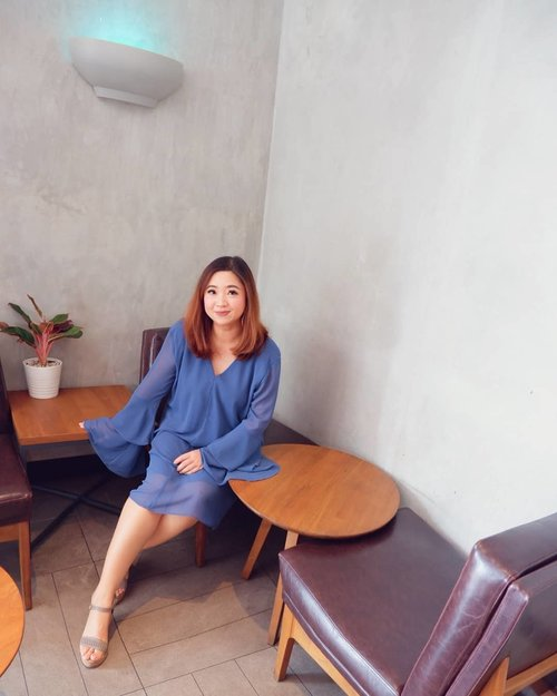 Absen pagi ke coffee shop deket rumah. Siapa disini yang masih rutin tiap pagi harus banget minum kopi?_________#beauty #carnellinstyle #love #shoes  #motd #lotd #ootd #photooftheday #photography #lookoftheday #outfit #outfioftheday #outfitinspo #lookbook #style #styleoftheday #ClozetteID#dressoftheday  #bluedress #coffeeoftheday #bcbgmaxazria