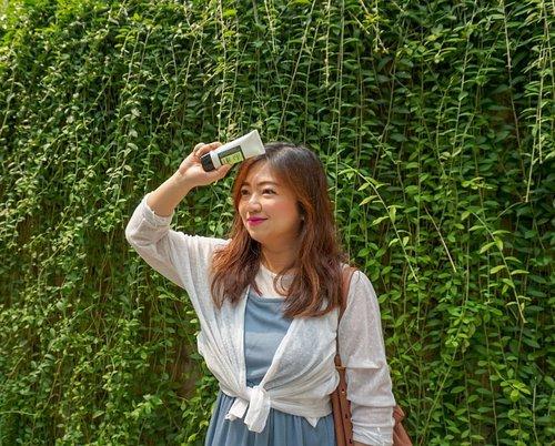 """<div class=""""photoCaption"""">Hellow, <br /> Hari ini lumayan panas yaaa (kaya kemarin), masih aja pake sunscreen dari @cosrx_indonesia yang tersedia di @sociolla <br /> Nah, Aloe Soothing Sun Cream kini tersedia dengan harga special! <br /> Hanya Rp 149.000 (harga normal: Rp 190.000) dari tanggal 6 - 11 Mei 2019! Lumayan banget kan.<br /> <br /> 1. Mengandung SPF50+/PA+++ & ekstrak aloe-vera<br /> 2. Memiliki tekstur yang ringan dan mudah diserap<br /> 3. Dapat memproteksi kulit dari sinar UVA/UVB sekaligus melembabkan kulit <br /> 4. Tidak menyebabkan whitecast<br /> 5. Tidak menyebabkan masalah kulit seperti jerawat/komedo<br /> <br /> Review lengkapnya ada disini:<br /> <a href=""""https://youtu.be/waVsvh9rkJ4"""" class=""""pink-url""""  target=""""_blank""""  rel=""""nofollow"""" title=""""https://youtu.be/waVsvh9rkJ4"""">https://youtu.be/waVsvh9rkJ4</a><br /> <br />  <a class=""""pink-url"""" target=""""_blank"""" href=""""http://m.id.clozette.co/search/query?term=2in1SunCream&siteseach=Submit"""">#2in1SunCream</a>  <a class=""""pink-url"""" target=""""_blank"""" href=""""http://m.id.clozette.co/search/query?term=sociolla&siteseach=Submit"""">#sociolla</a>  <a class=""""pink-url"""" target=""""_blank"""" href=""""http://m.id.clozette.co/search/query?term=cosrx&siteseach=Submit"""">#cosrx</a>  <a class=""""pink-url"""" target=""""_blank"""" href=""""http://m.id.clozette.co/search/query?term=love&siteseach=Submit"""">#love</a>  <a class=""""pink-url"""" target=""""_blank"""" href=""""http://m.id.clozette.co/search/query?term=sunscreen&siteseach=Submit"""">#sunscreen</a>  <a class=""""pink-url"""" target=""""_blank"""" href=""""http://m.id.clozette.co/search/query?term=beauty&siteseach=Submit"""">#beauty</a>  <a class=""""pink-url"""" target=""""_blank"""" href=""""http://m.id.clozette.co/search/query?term=sunprotection&siteseach=Submit"""">#sunprotection</a>  <a class=""""pink-url"""" target=""""_blank"""" href=""""http://m.id.clozette.co/search/query?term=summer&siteseach=Submit"""">#summer</a>  <a class=""""pink-url"""" target=""""_blank"""" href=""""http://m.id.clozette.co/search/query?term=BeautyVloggerIndonesia&siteseach=Submit"""">#BeautyVloggerInd"""