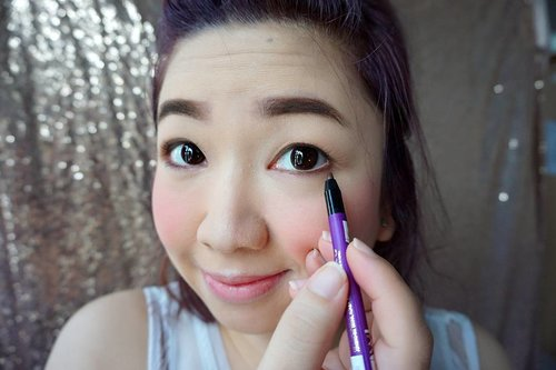 An eyeliner that has proven itself to be: ☑ waterproof ☑ rub proof ☑ tear proof ☑ greasy eyelids proof ☑ sweatproof  And comes in the most adorable shade, Pearl Brown.  @vovmakeupid Runway Pro Liner, is my favorite eyeliner.  http://whileyouonearth.blogspot.co.id/2016/07/vov-runway-pro-liner.html?m=1  #vovmakeupid #vov #runwaycollection #eyeliner #besteyeliner #clozetteid #beautyblogger #blogger #review #love #beauty #beautiful