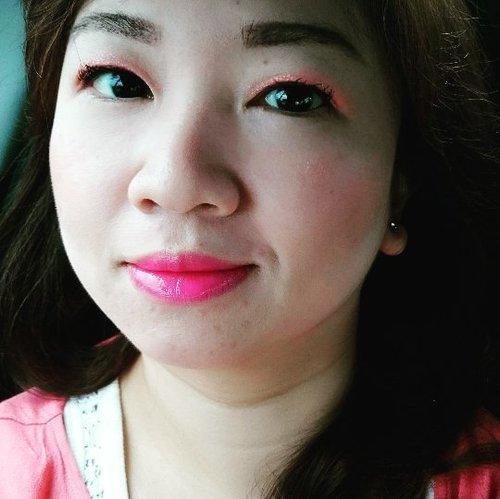 Using @thesaem Eco Soul Gel Lasting Eye Tint in Candy Coral  http://whileyouonearth.blogspot.com/2015/07/the-saem-eco-soul-gel-lasting-eye-tint.html?m=1  #thesaem #clozetteid #beautyblogger #eyegel #eyetint #makeup #eotd #Korean #motd
